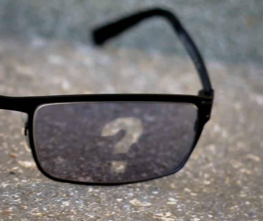 Le marchand de lunettes - nous écrire
